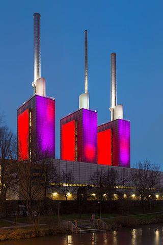 Linden_power_plant_Elisenstrasse_Ihme_river_Linden-Nord_Hannover_Germany_02